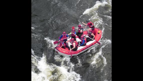 ho bart rafting derwent river tasmania